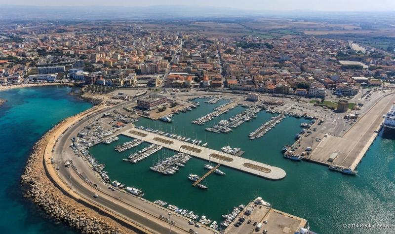 Porto-Torres-dal-cielo