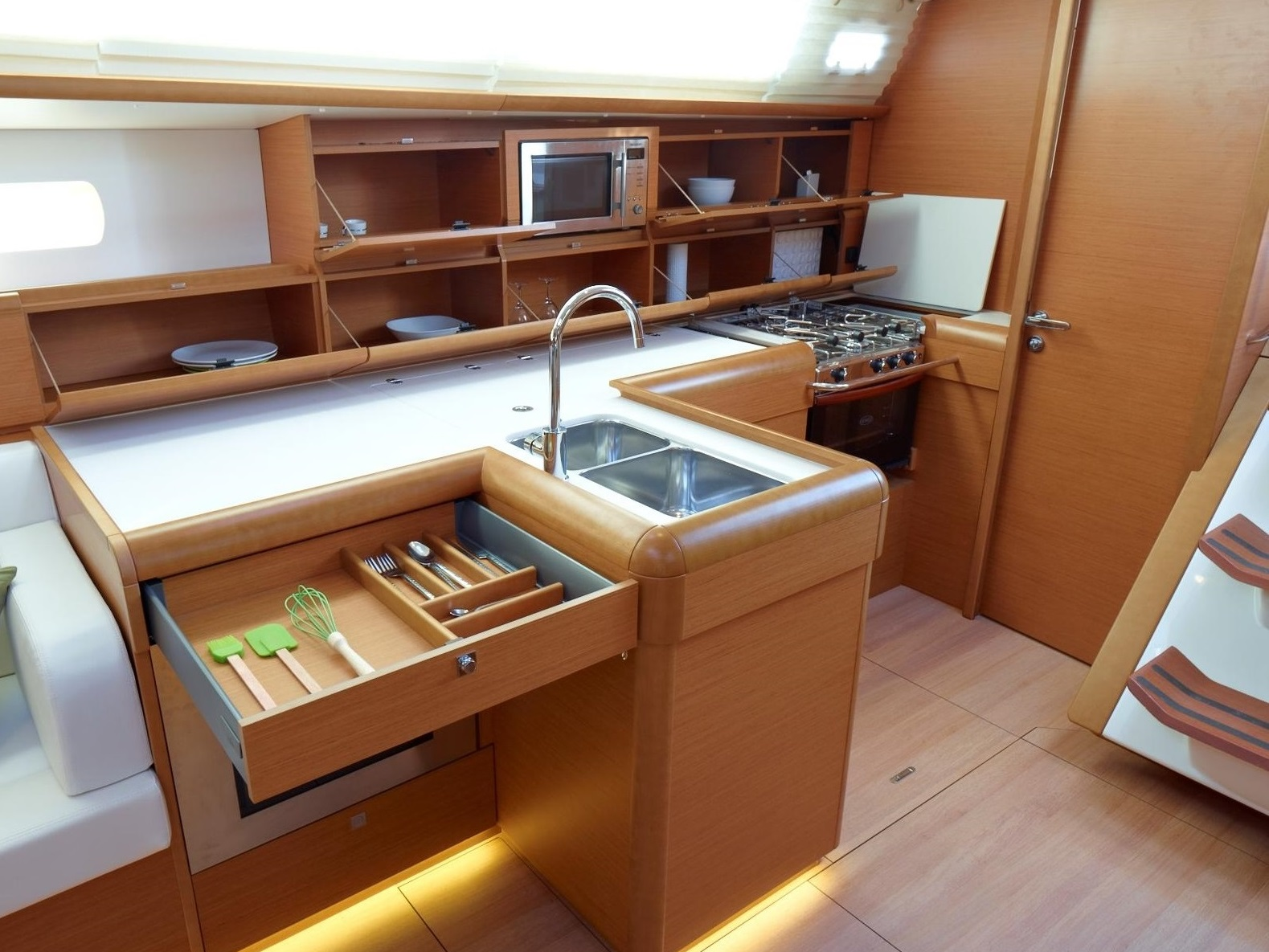 38_4_Galley2